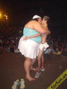 https://guspurblog.files.wordpress.com/2010/11/1179438519-weird-couple-picture-gallery2.jpg?w=225