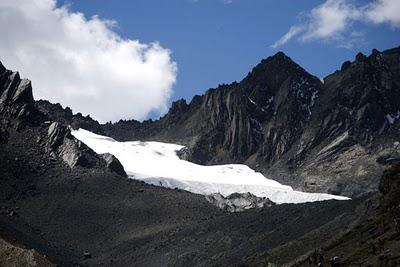 Glacier-in-peru.jpg